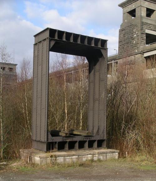 Секция оригинальной цельнометаллической конструкции Britannia Bridge