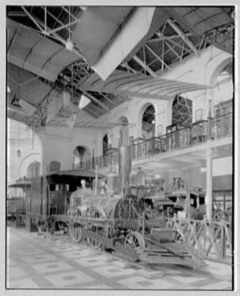 Джон Булл в Восточном зале Центра искусств и технологий. Фото 1920 года